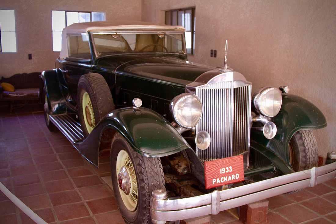 1933 packard from front
